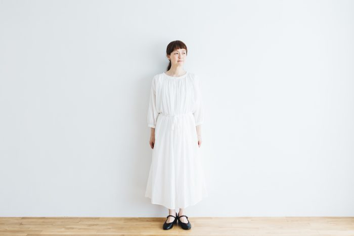 COTTON GATHER ONE-PIECE DRESS  off white 1