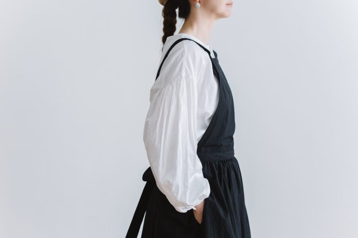 gather pull over blouse  white 6