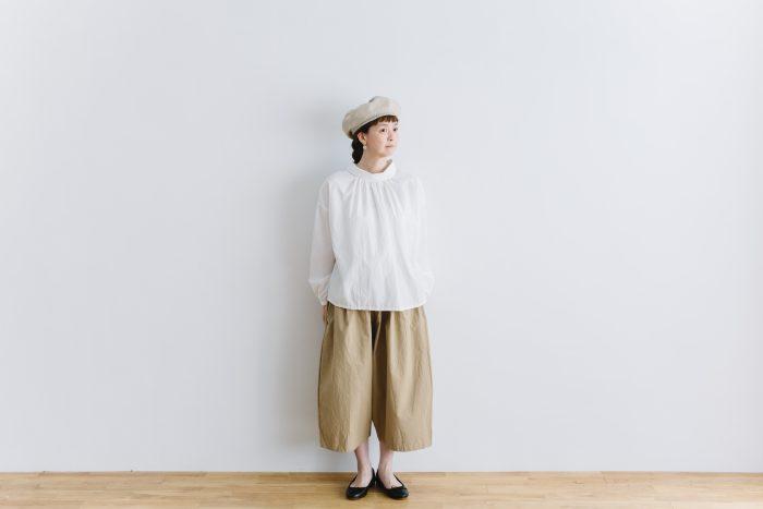 roll collar 2way blouse  mat white 1
