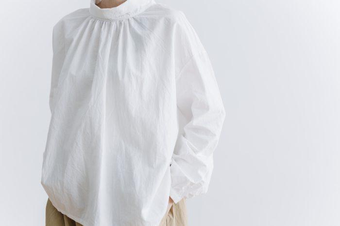 roll collar 2way blouse  mat white 4