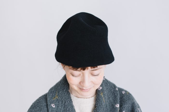 FELT HAT black 1