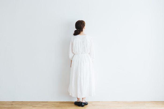 COTTON GATHER ONE-PIECE DRESS  off white 3
