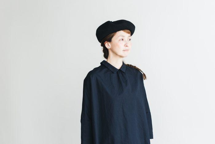 berer top gather linen  black 4