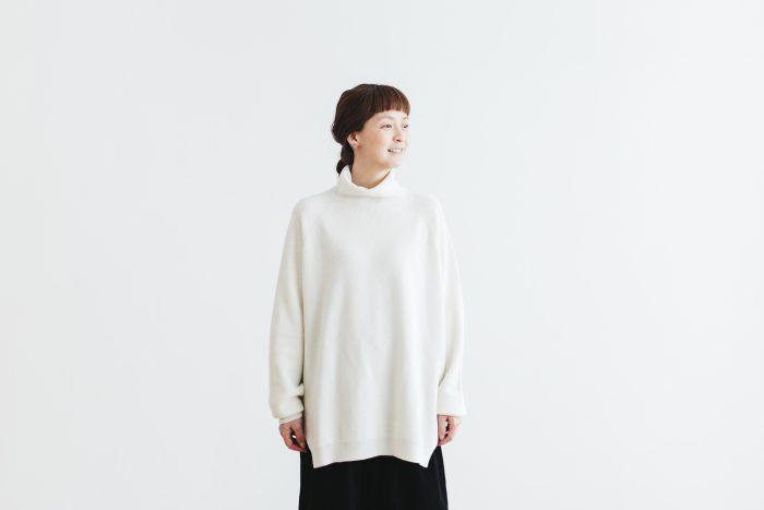 Wool turtle-neck Pull Over  milk 1