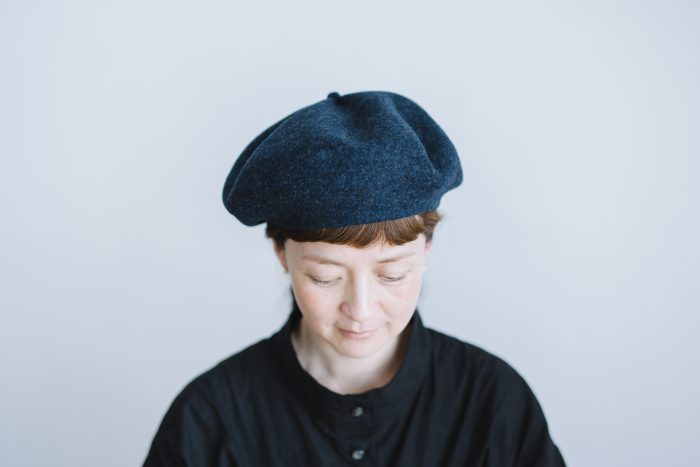 beret top gather big  navy 1