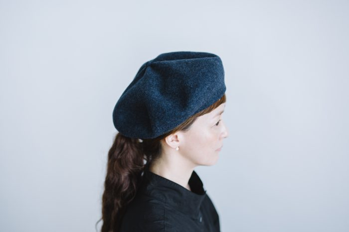 beret top gather big  navy 2