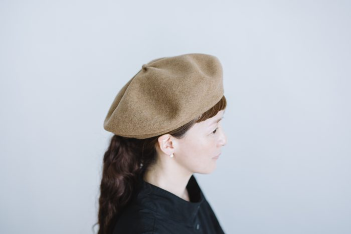 beret top gather big  mocha 2