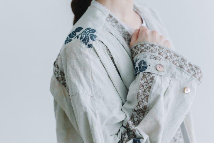 湖水の淵の花 羽織コート  beige gray 4