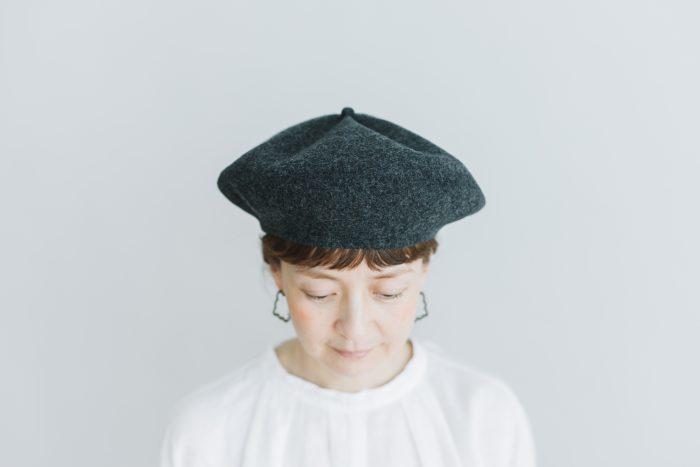 beret top gather big charcoal 1