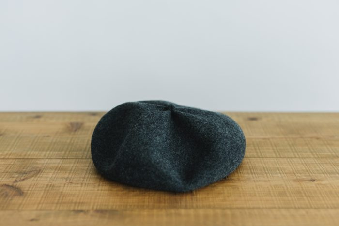 beret top gather big charcoal 4