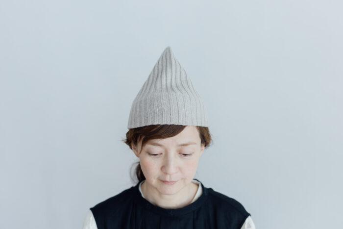 slant cutting knit cap cashmere 100 light greige 2