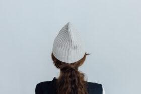 slant cutting knit cap cashmere 100 light greige 3