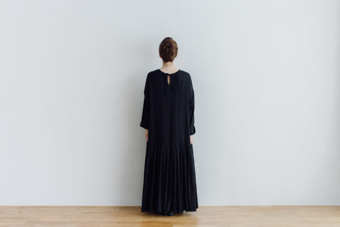 予約 2WAY LOW PLEATS ONE PIECE  black 3