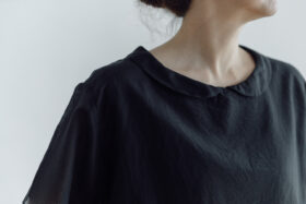 予約 COTTON SILK LAYERD TINY COLLAR BLOUSSE  black 4