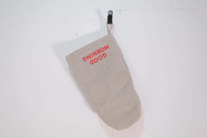 No.5375 OVEN MITTON flax ×red 1