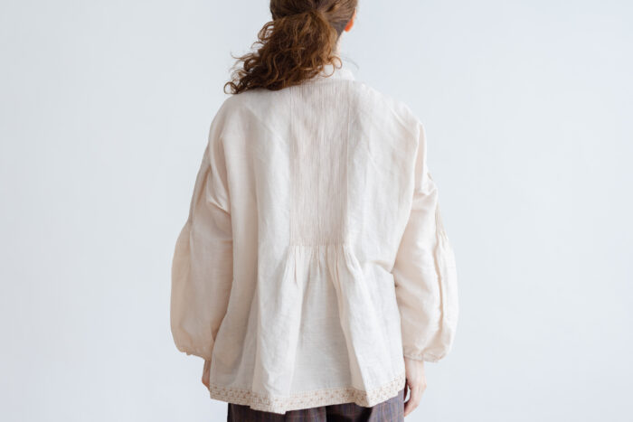 Embroidery Pintuck Blouse L.gray 3