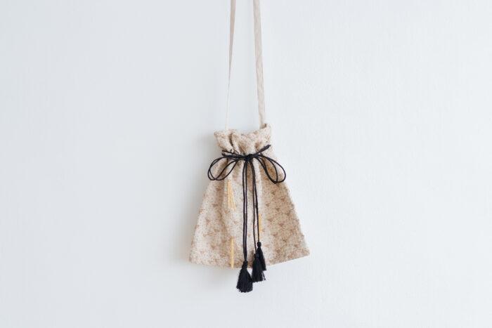Embroidery Shoulder Bag L.gray 2