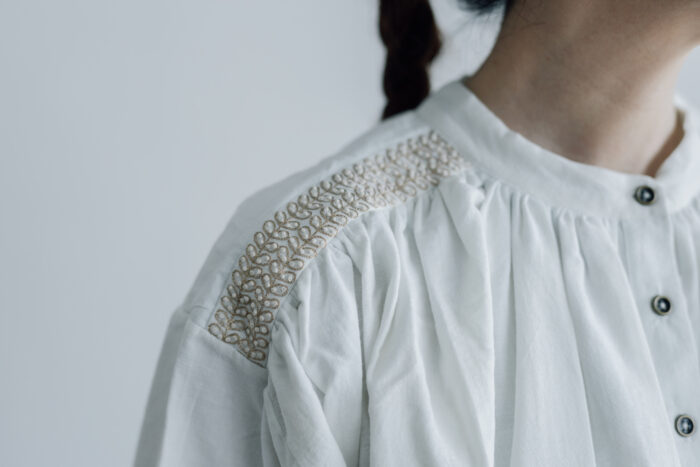 Embroidery Long Blouse B.white 5